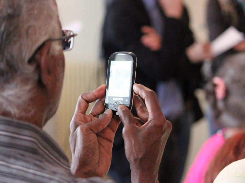 The 5 Cheap Cell Phone Plans For Seniors