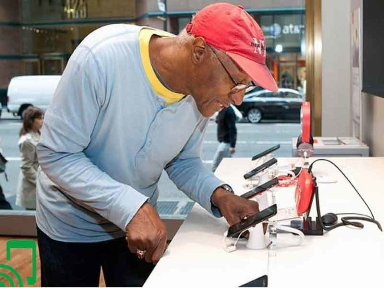 Top 5 AARP Cell Phone Plans Discounts For Seniors