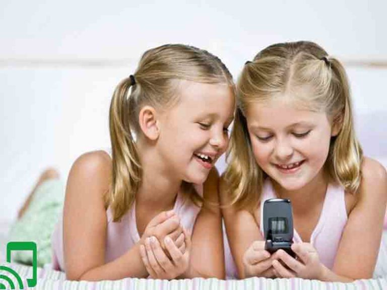 The 7 Best Phones For 10 Year-Olds