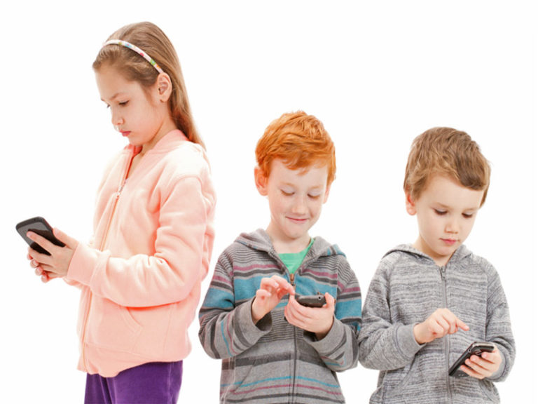 What Age Should A Child Get A Cell Phone